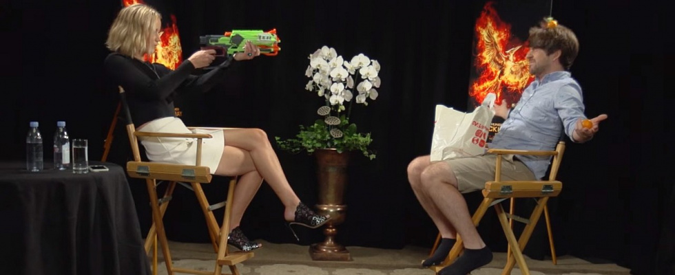 "Pranking the Prankster: Jennifer Lawrence pranked die YouTuber von ""Smosh"""