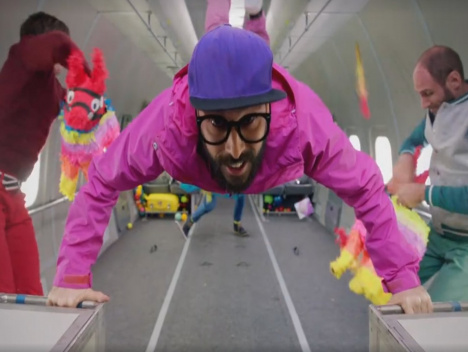 """""""Upside Down & Inside Out"""": OK Go liefern schwereloses Musikvideo ab"""