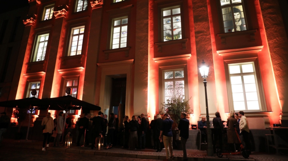 Charity-Party in Düsseldorf: Wolfram Kons feiert im Andreas Quartier