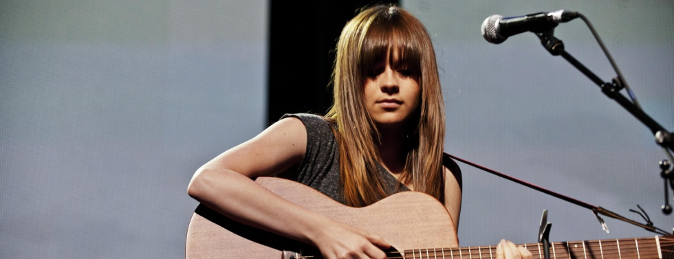 Durch YouTube berühmt: Gabrielle Aplin covert 'The Power of Love'