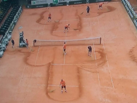 Was ist bei den French Open los?: New balls, please!
