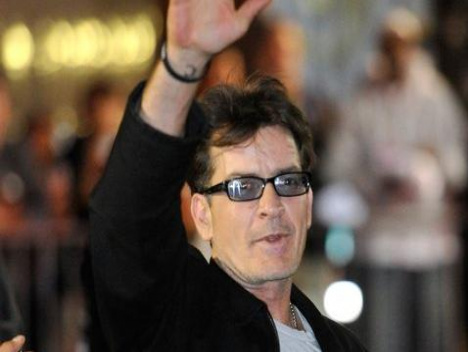 Two and a Half Men: Charlie Sheen glaubt an Comeback